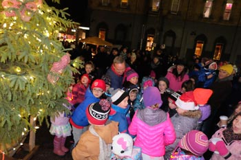 tree lighting mayor mike smith feature